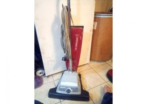 Reliavac heavy duty commercial vacuum cleaner